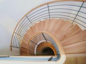 Foto: www.schody-dna.cz (montované schodiště)
