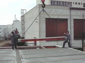Foto: Karel Vyleťal, montáž panelů