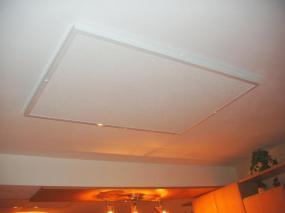 Foto: www.elek-bartos.cz, infrazářič na stropě