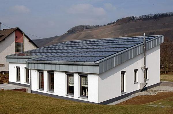 Foto: XELLA CZ; ekologický dům z pórobetonu, který využívá solární zdroj energie