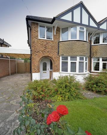 Ilustrační foto (www.shutterstock.com), velkorysé pojetí oken - slunný dům