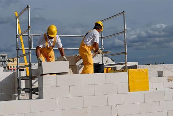 Foto: Xella; výstavba domu z YTONGu
