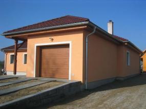 Foto: www.gardon.cz, sekční vrata