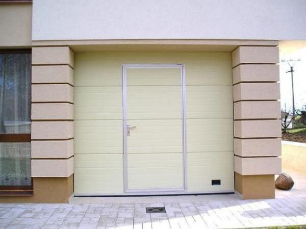 Foto: www.mdi-vrata.cz, sekční vrata