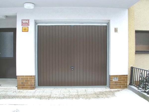 Foto: www.mdi-vrata.cz, vrata výklopná
