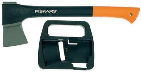 Sekera Fiskars 1100 štípací s plastovým pouzdrem (www.fiskars.com)