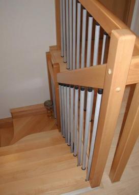 Foto: INVO CB, klasické schodiště dřevěné