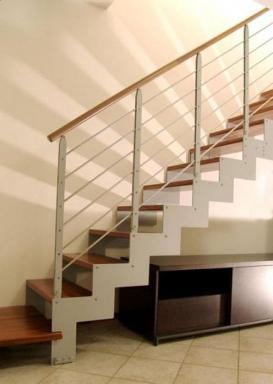 Foto: INVO CB, bočnicové schodiště