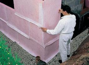 Foto: www.rigips.cz, příklad typického použití speciálních růžových desek Rigips