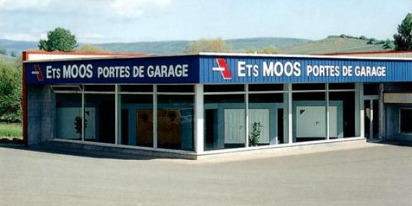 Foto: VRATOVÉ SYSTÉMY MAREŠ, výklopná garážová vrata MOOS
