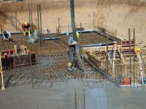 Foto: Českomoravský beton, realizace základové desky