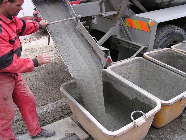 MALMIX® distribuce na stavbu autodomíchávačem, ukládka do transportních vaniček