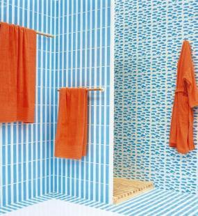 Foto: www.stepanek-koupelny.cz, Agatha Ruis, moderní odstín modré (symbolika léta či zimy)