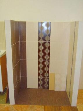 Foto: www.stepanek-koupelny.cz, Středový dekor, obklady Yute