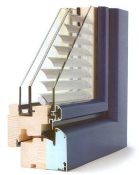 Foto: INTERNORM, dřevo-hliníková okna EDITION 4