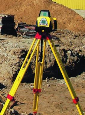 Foto: EMKOL, Rotační laser Leica Rugby 100 LR