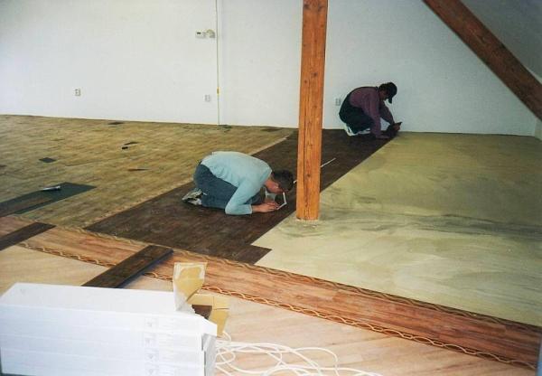 Foto: www.koberce-strnad.cz, pokládka podlahy