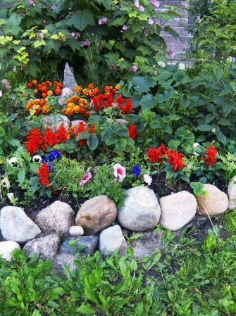 Ilustrační foto (www.shutterstock.com), kamenná obruba