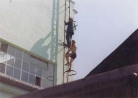 Foto: Bretong, pevně instalovaný kovový žebřík