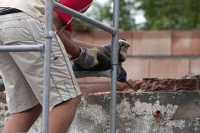 Ilustrační foto (www.shutterstock.com), odbourání nevyhovujícího zdiva