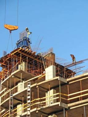 Ilustrační foto (www.shutterstock.com), náročná výstavba
