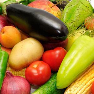 Ilustrační foto (www.shutterstock.com), zelenina + kopr, jablko, kukuřice