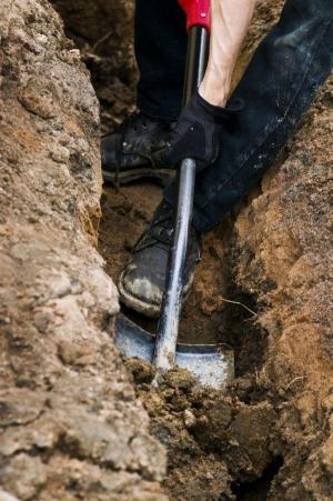 Základová spára pro nové oplocení, ilustrační foto (www.shutterstock.com)