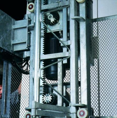 Foto: DE JONG LIFTEN, pohon výtahu