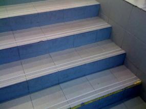 Foto: Renovace kamene Pokorný, aplikace na schodech