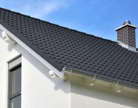 Foto: www.shutterstock.com, plechová střešní krytina (tvarovky a ohýbaný plech)