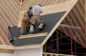Foto: www.shutterstock.com, bednění střechy