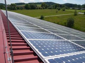 Foto: SOLARENVI, fotovoltaická elektrárna na průmyslovém objektu