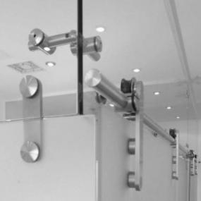 Foto: GLASS BLOCK, kování posuvných skleněných dveří