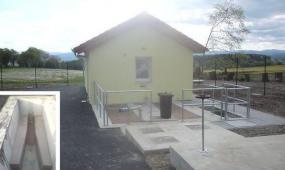 Foto: PELDA, betonáž záchytné jímky ČOV a hotová ČOV