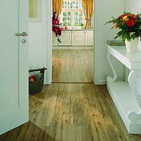 Foto: Lerch podlahy, laminátová podlaha Witex Marena Select 4V - americký pekan