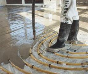 Foto: KNAUF Praha, realizace lité podlahy na podlahové vytápění