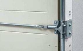Foto: TOR-MASTER, sekční garážová vrata