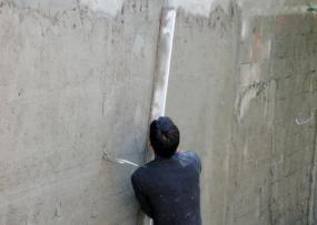 Ilustrační foto (www.shutterstock.com), klasické ruční omítání