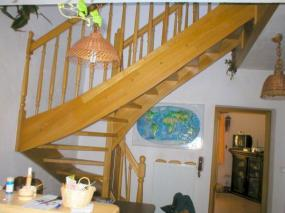 Foto: ŠIKO, celodřevěné masivní schodiště