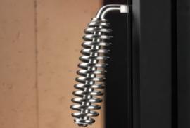 Foto: Hoxter, praktická klička - obsluha bez rukavic