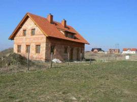 Foto: A-Z stavitelství René Novák, neomítnutý dům z keramických tvárnic