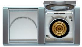 Foto: Newag, zásuvka pro nástřik vody - mokré sání