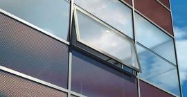 Foto: www.schueco.com, tepelně izolující fasáda produkující energii