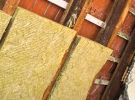 Ilustrační foto (www.shutterstock.com), minerální vlna, zateplení mezi krokvemi