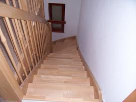 Foto: RD Rýmařov, schodiště s podstupnicemi