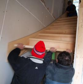 Foto: RD Rýmařov, usazování schodiště