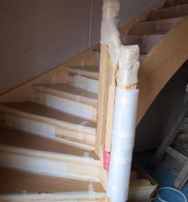 Foto: RD Rýmařov, zabalení schodiště proti poškození