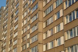 Ilustrační foto (www.shutterstock.com), nezateplená fasáda panelového bytového domu