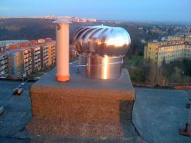 Řešení od firmy Tauris 1xVIV 500 průměr 500mm; odvětrání kanalizace vyvedeno správně komínkem