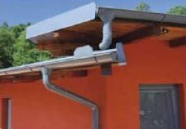 Lindab Rainline – kompletní okapový systém s bezúdržbovou povrchovou úpravou HB polyester vyráběný moderní technologií z předlakované oceli